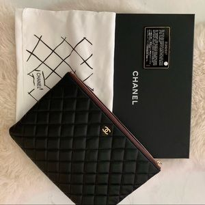 CHANEL Bags - Channel clutch bag 🖤